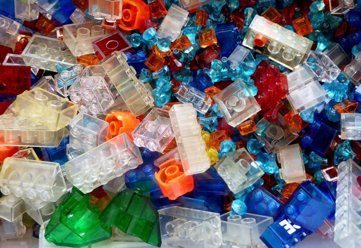 lego-blocks-1649909_1920.jpg